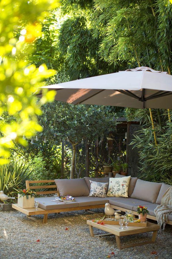 Comment bien entretenir un mobilier de jardin en bois