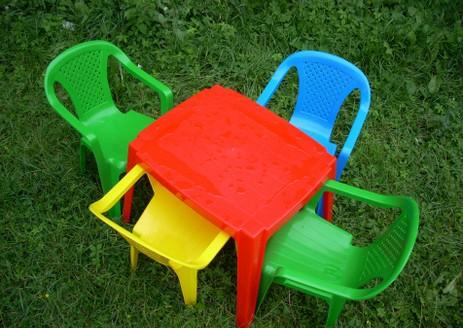 peinture-chaise-plastique